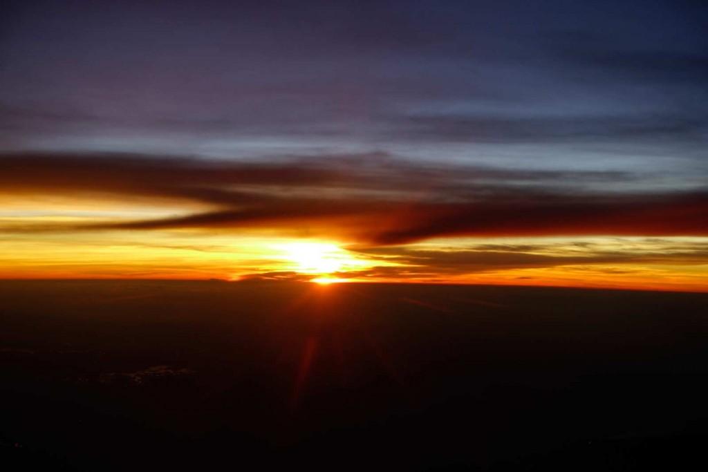 Sonnenuntergang auf dem Weg nach Hongkong
