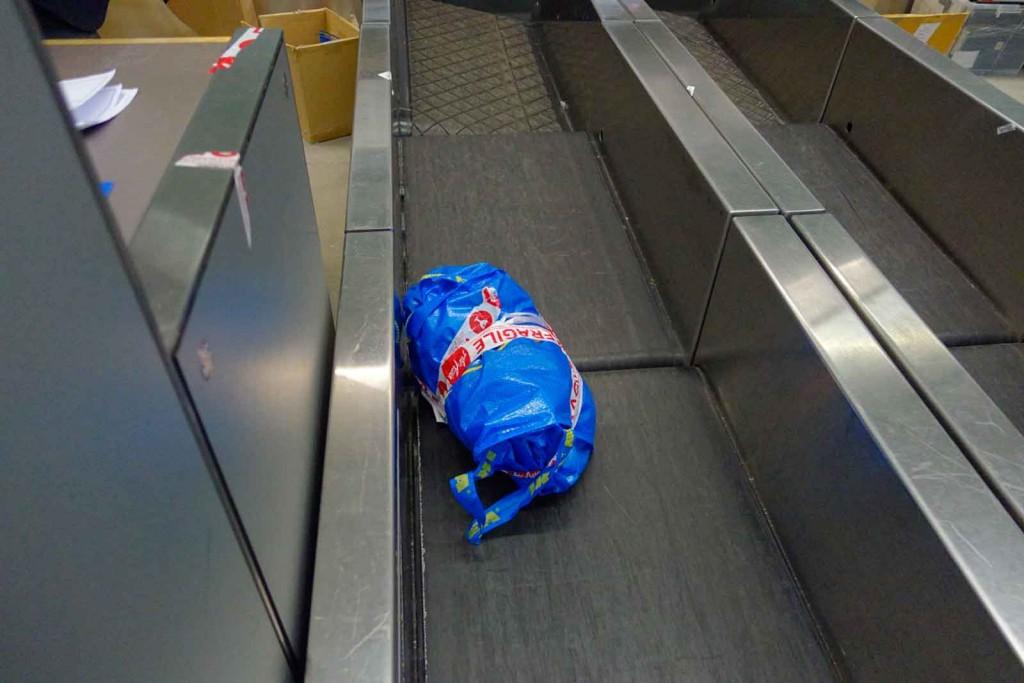 IKEA-Tasche beim Check-in