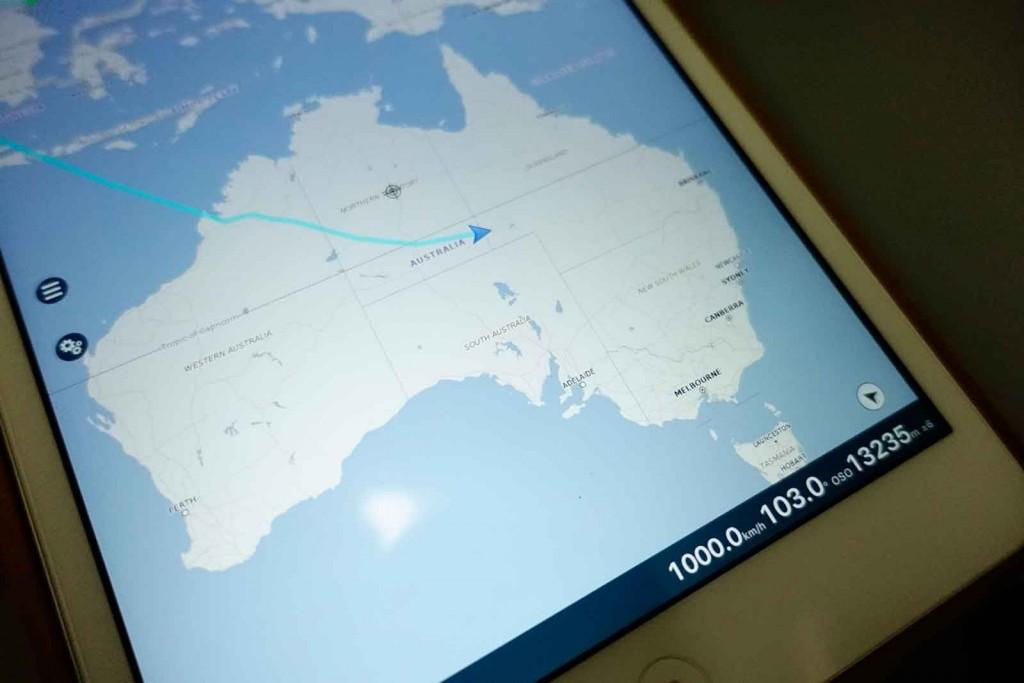 GPS-Karte mit Flieger über Australien bei 1.000 km/h