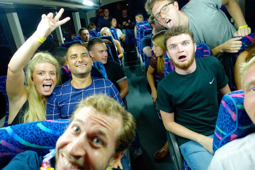 Gesichter im Bus