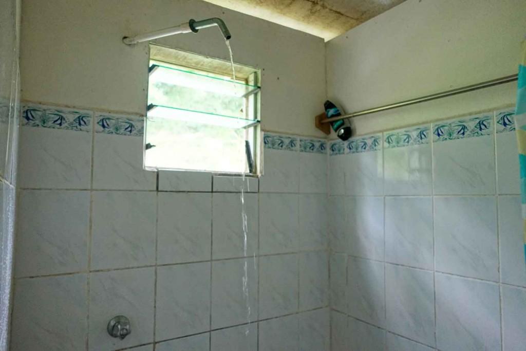 Dusche im Waya Lailai Ecohaven