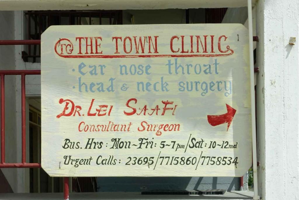 Arztpraxis-Schild auf Tonga